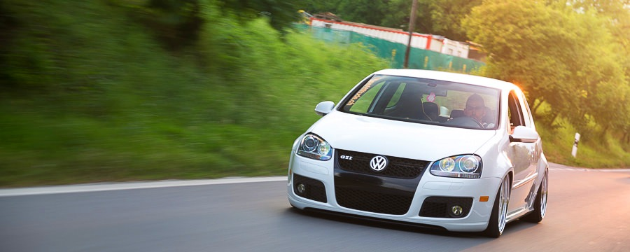 44 Geneve garage suspension golf gti abt ultralow futura.jpg
